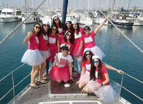 Grupo excursion en barco en Valencia