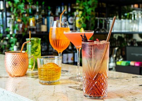 Cocktails de Pizza Blanqui : Mojito, Moscow Mule, Cosmopolitain, Spritz