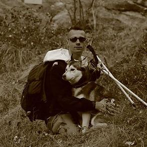 Pascal Perrotte sortie miltaire avec son chien  Kaya