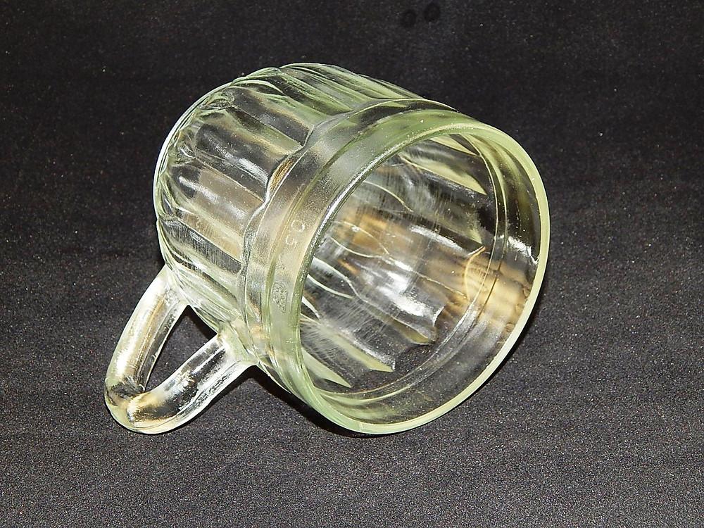Советская пивная кружка с прямыми гранями, Артёмовского стекольного завода, выпущенная в 60-х годах прошлого века.
