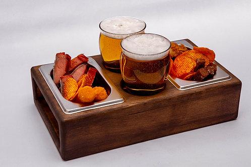 Деревянный поднос для пива и закусок