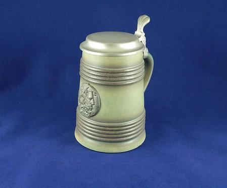 Немецкая пивная кружка с оловянной крышкой