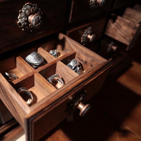 Шкаф для аксессуаров