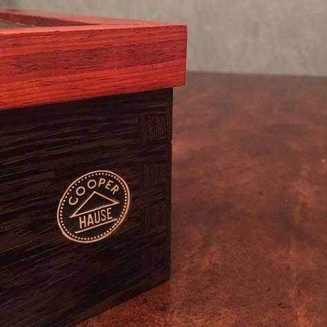 Шкатулка для хранения курительных аксессуаров