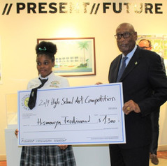 Hismanya Ferdinand (2nd price winner) and His Excellency the Governor General of The Bahamas, Cornelius A. Smith