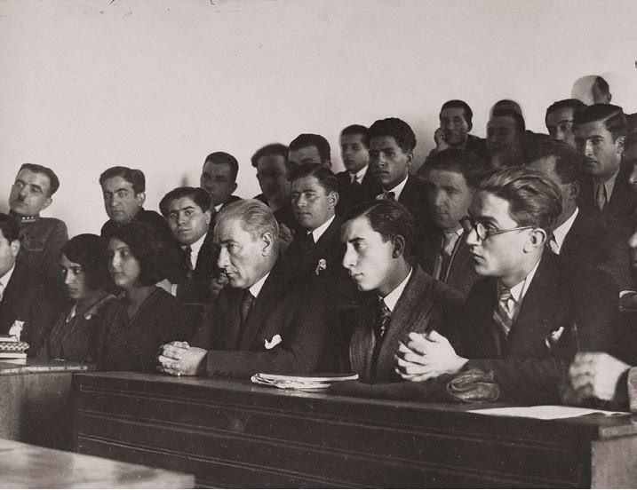 Atatürk 2.jpg