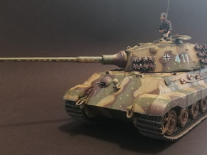 Hobby Boss Pz.Kpfw.VI Sd.Kfz.182 Tiger II - Henschel July-1945 Production - Blazsek Attila munkája
