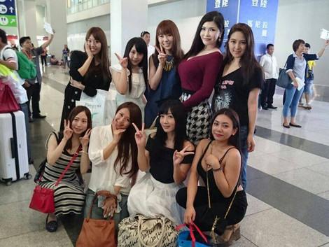【博宇策略】九位女優抵達菲律賓機場了