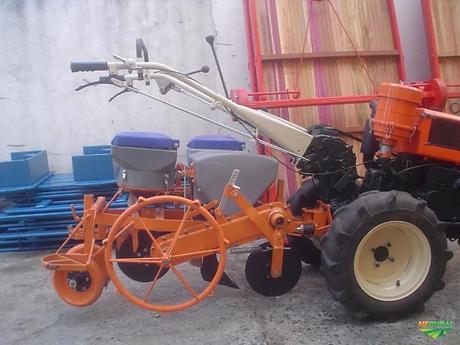 Trator Tobata Micro 4x2 ano 94.webp