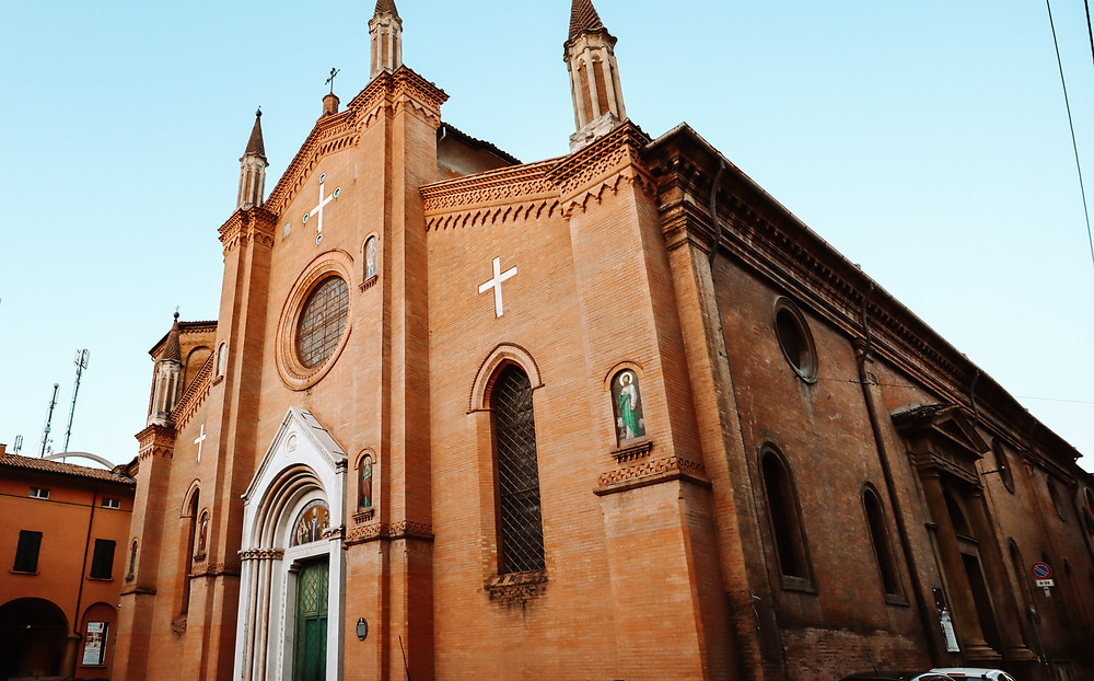 Bologna city centre church, Itinerary