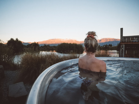 Soaking under the stars in Omarama New Zealand, the place hot tub experience in the South Island