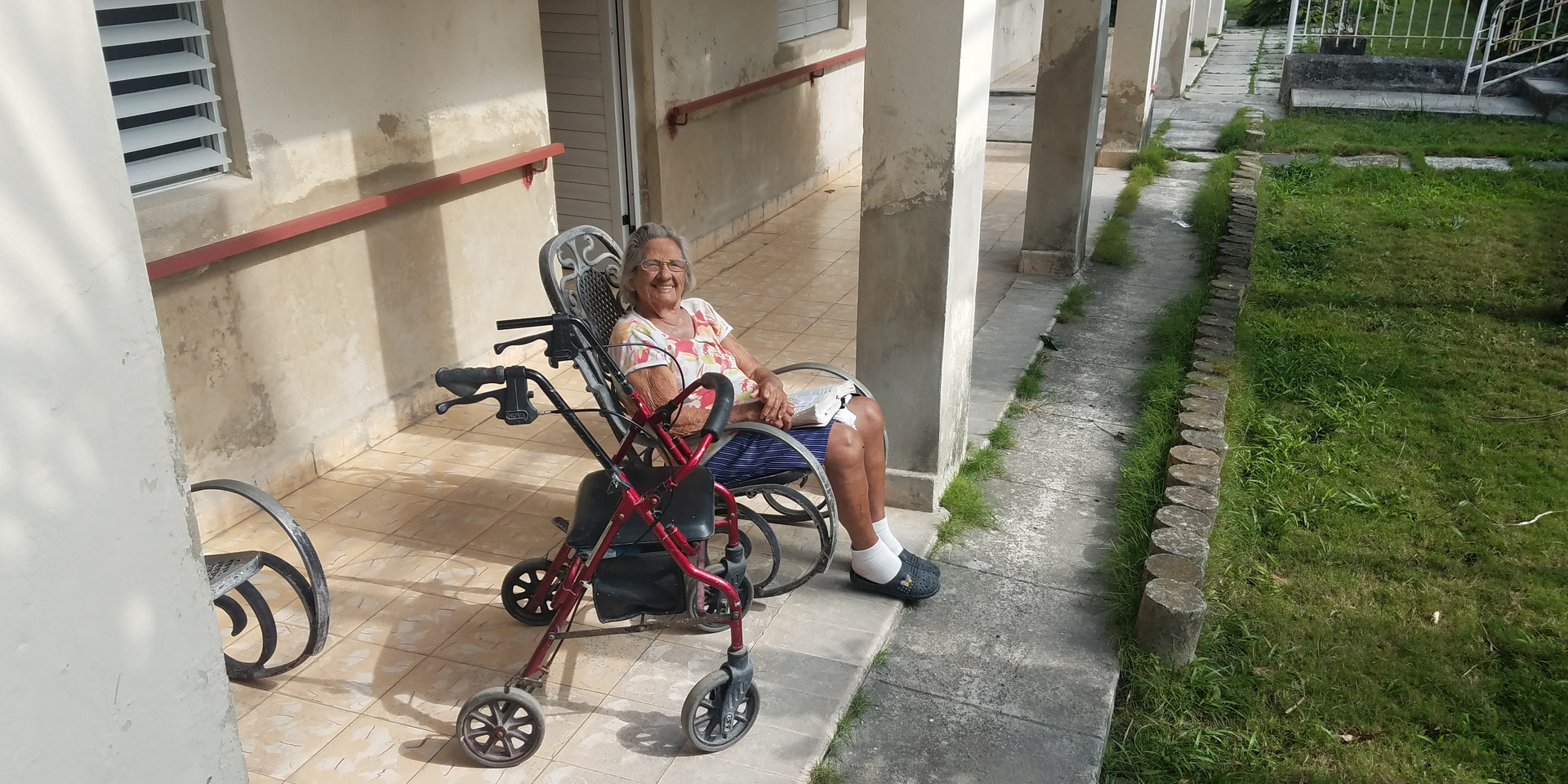 Woman at the elderly care facility