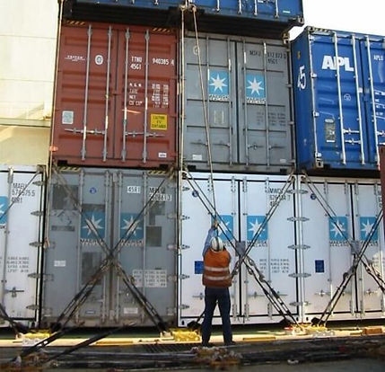 Container-lashing-with-rods.jpg