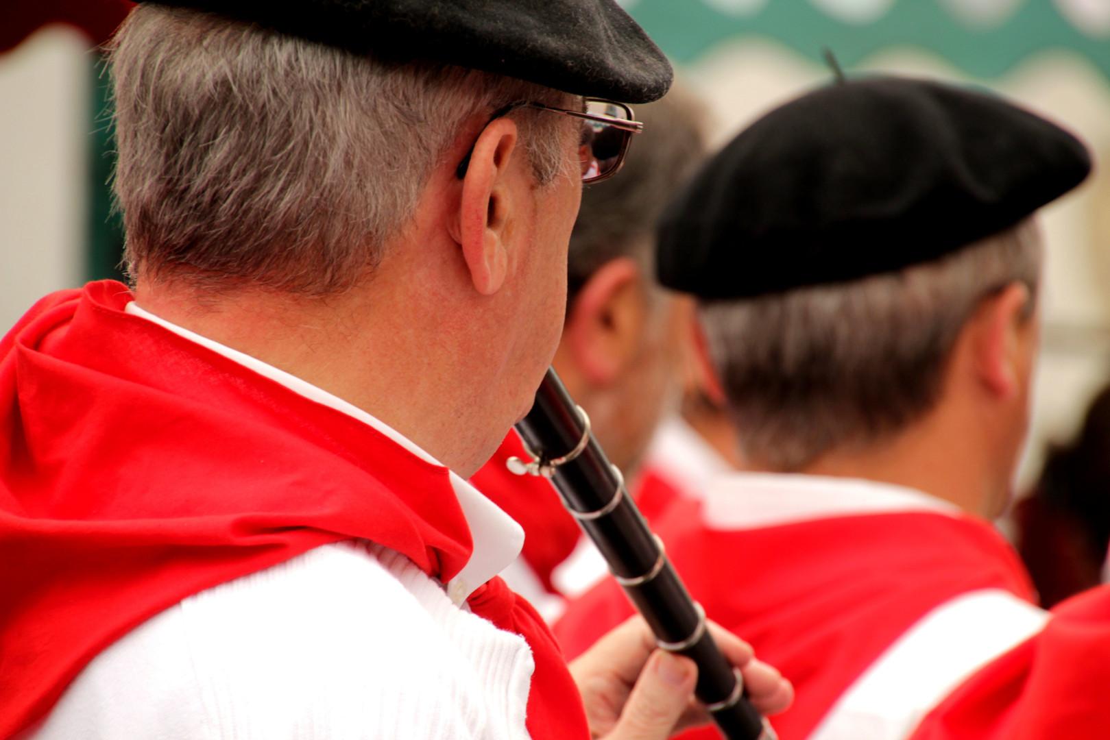 Banda basque joueur txistu