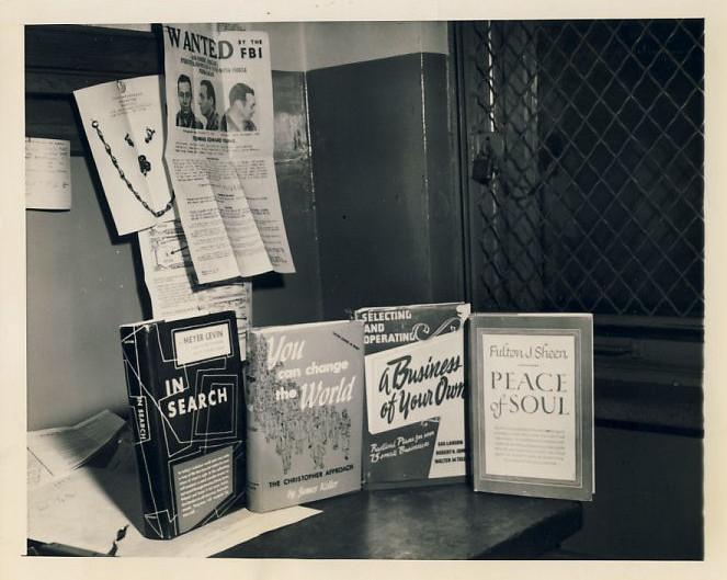 The Bookshelf of Willie Sutton