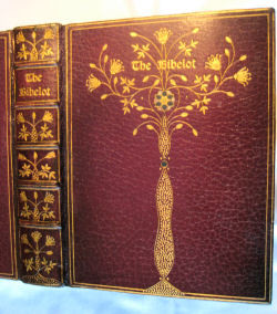 The Bibelot designed by Zahn