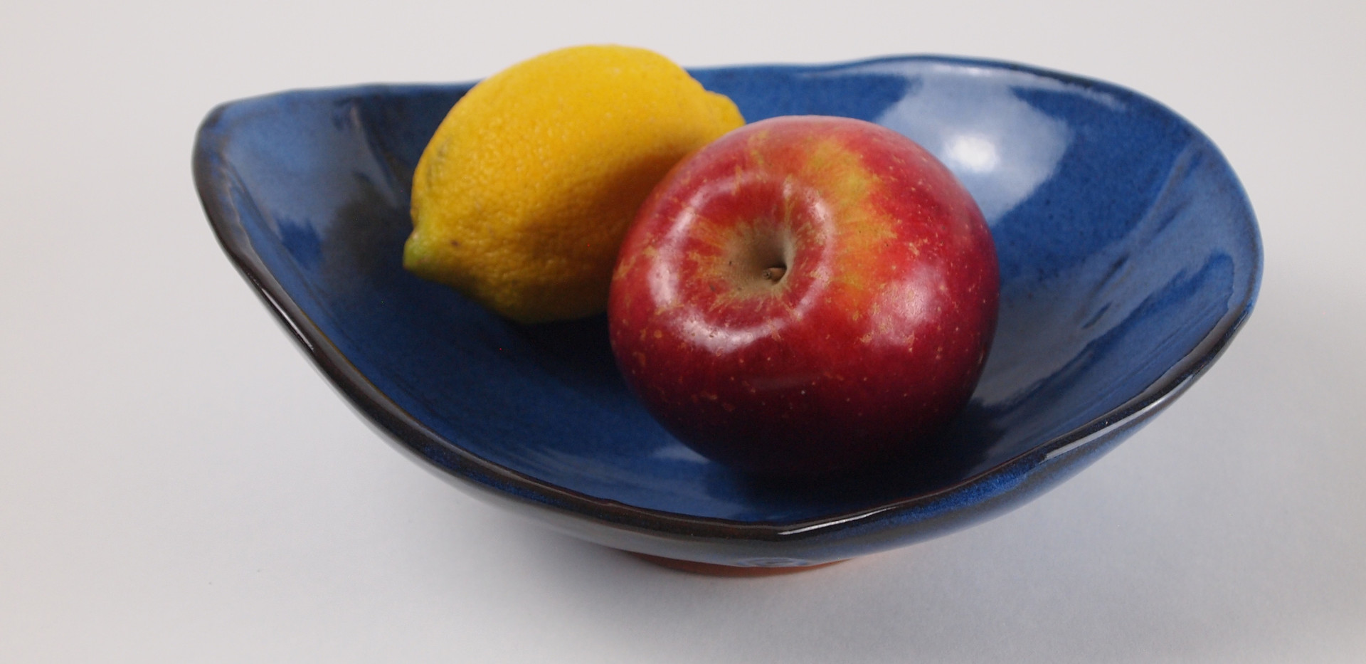 Provencher_Claire_IFSeaGrapeBowlWFruit.j
