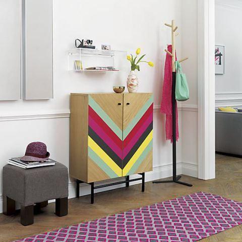 pintura geométrica em móvel