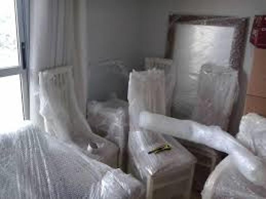 Móveis protegidos com plástico bolha - Habitíssimo