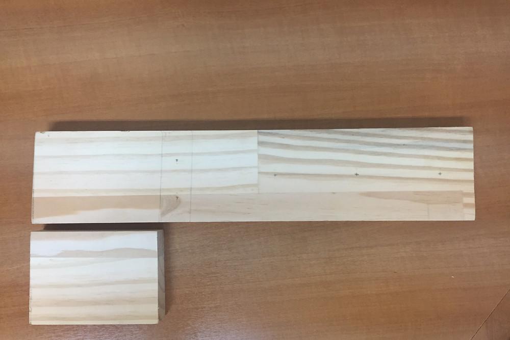 pontos para furos marcados na madeira
