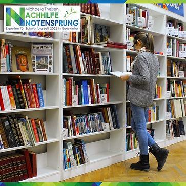 viele_Bücher_Nachhilfe_Notensprung_Baes