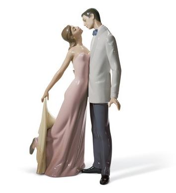 "Lladro Figurine ""Happy Anniversary"""