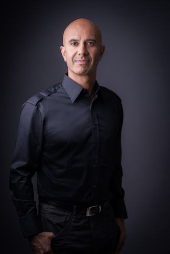 Robin Sharma, Photo-Alec Watson