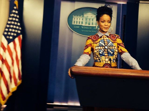 RIHANNA in STELLA JEAN for her day at the White House !