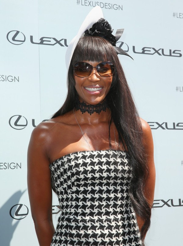 Naomi-Campbell-in-Christian-Dior-Victoria-Derby-Day-4-600x806