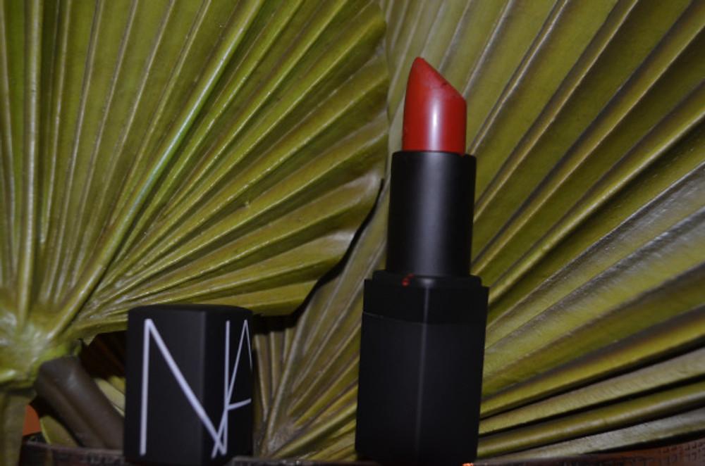 Semi matte lipstick - VIP Red 26€