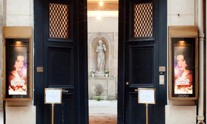 Le 1er décembre 2014, le parfum vintage« Rose Desgranges » renaît dans son écrin d'origine, dédiée à Rose Desgranges, au 70 rue du Faubourg St Honoré.