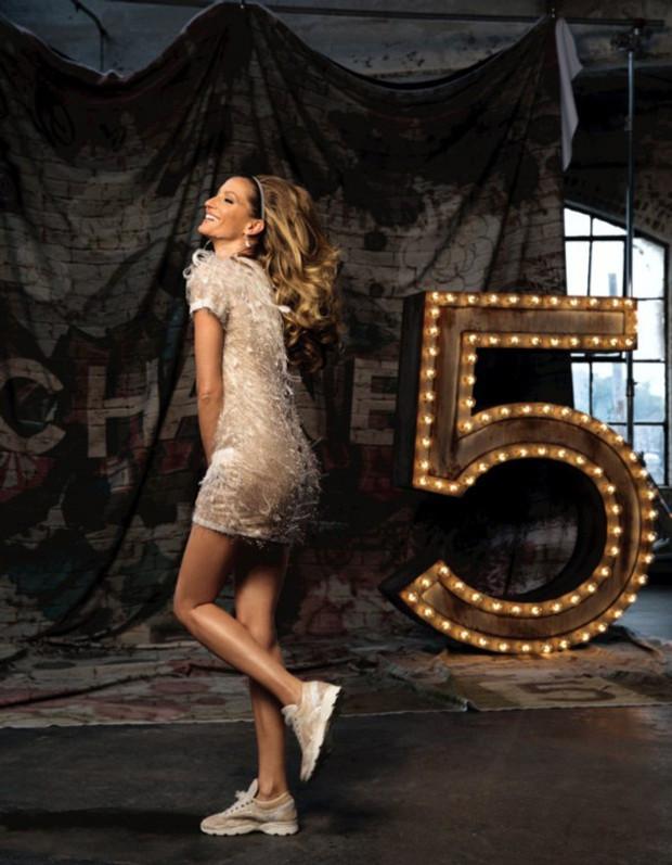 Gisele-Buendchen-pour-Chanel-N-5-de-nouvelles-images-devoilees_visuel_article2[1]