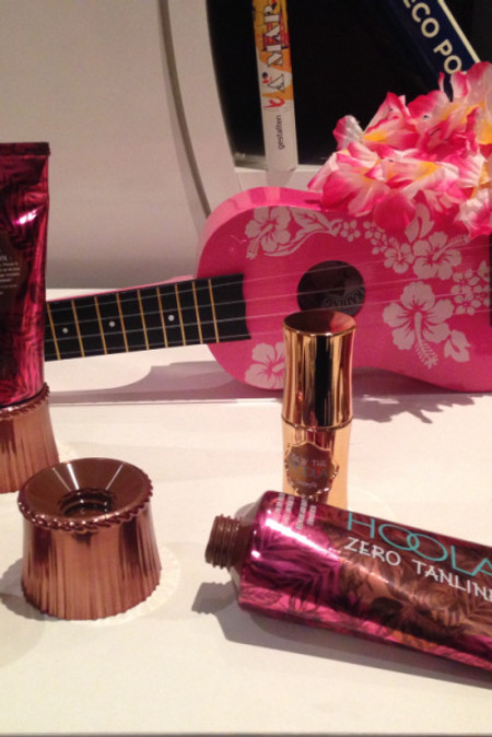 WHO'S THE BRONZEST OF THEM ALL ? HOOLA by BENEFIT