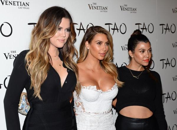 khloe-kardashian-kim-kardashian-kourtney-kardashian-tao-nightclub