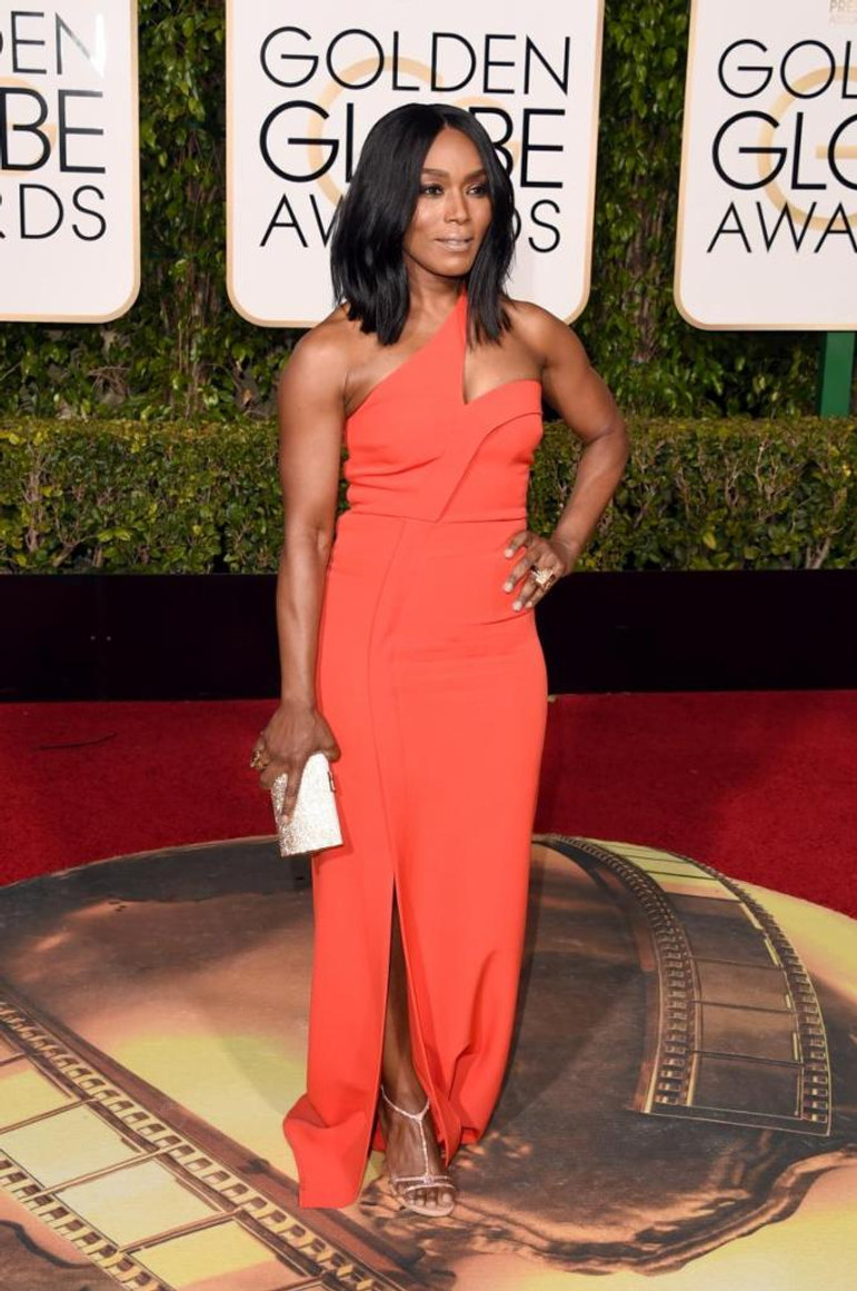 angela bassett red carpet 2016 golden globe