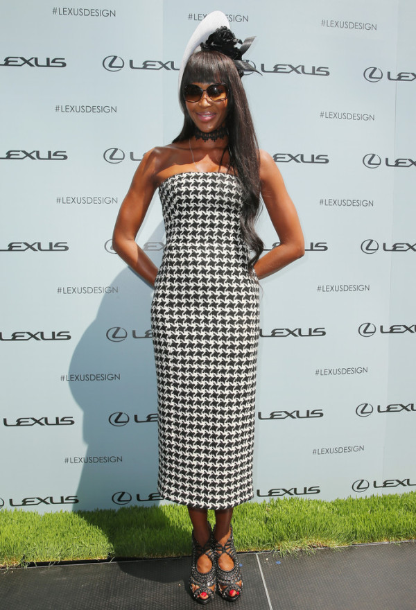 Naomi-Campbell-in-Christian-Dior-Victoria-Derby-Day-3-600x880
