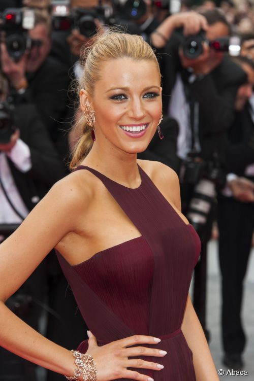 26069-blake-lively-zoom-sur-son-maquillage-500x0-2