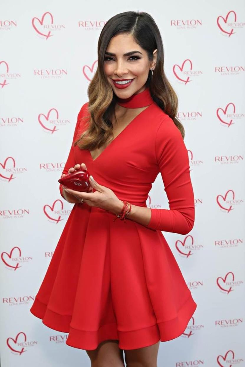 Revlon nomme Alejandra Espinoza Ambassadrice Mondiale de la marque.