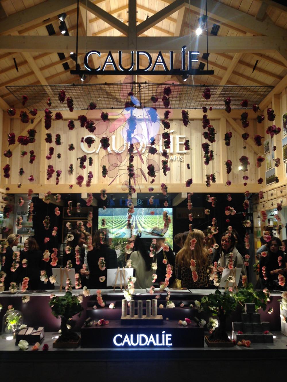 Carrousel du Louvre 99 rue de Rivoli 75001 Paris Tel: 01 40 26 61 84 Horaires : Lundi-Dimanche : 10h - 20h