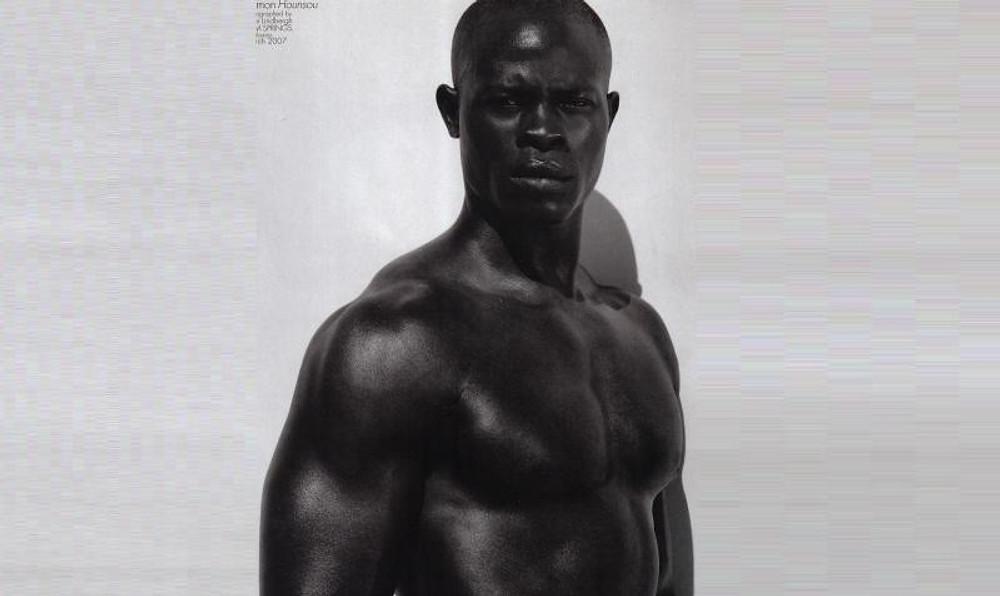 """Oh la la, cela me tue d'illustrer cet article par le beau Djimon Hounsoun qui est clairement mon profil """"physique"""" IDÉAL chez un homme !!!"""