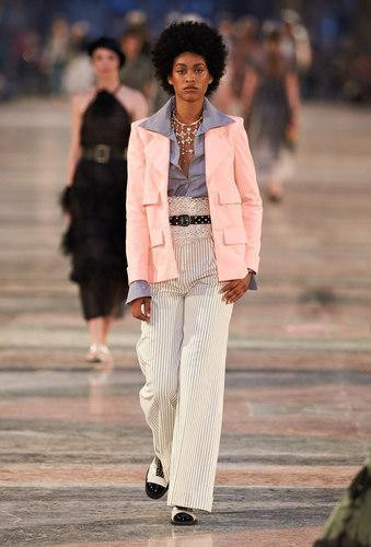 17C13.jpg.fashionImg.look-sheet.medium
