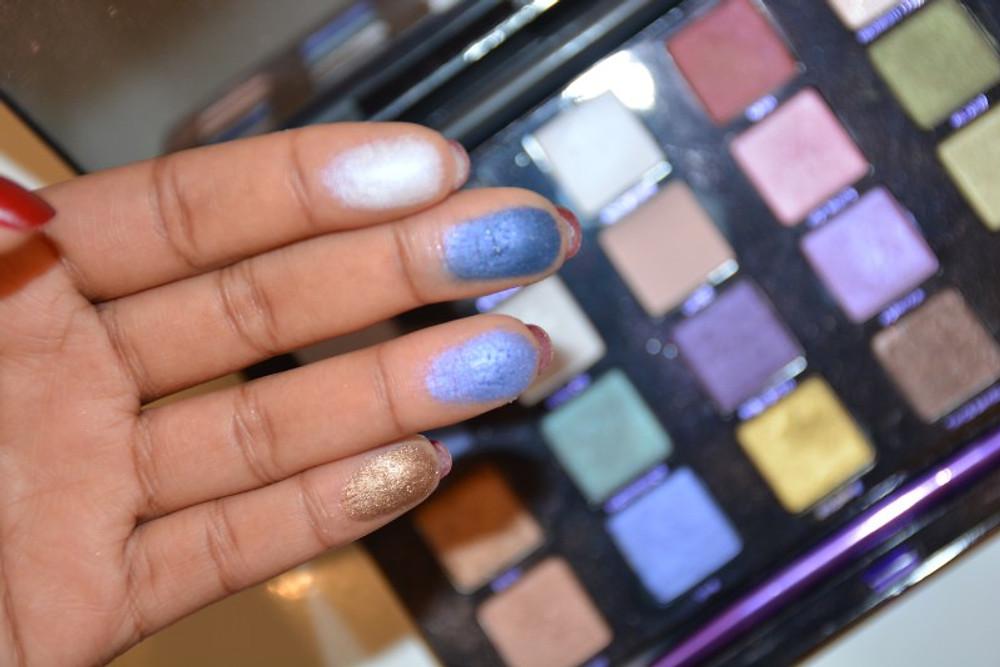 Pour mon maquillage, j'ai utilisé 5 couleurs : SMOG, UV-B, 501, ROADSTRIP et LACED (Ici, vous ne voyez pas la Laced, je ne l'ai pas swatch)