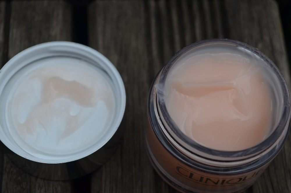 Action désaltérante prolongée. Aide à maintenir les réserves en eau de la peau et restaurer l'équilibre hydrique altéré par les variations brutales d'humidité.