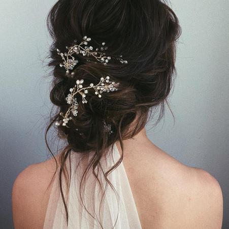 5 Romantic Themed Bridal Hairstyles