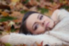 girl-lying-down-2010387_1920.jpg