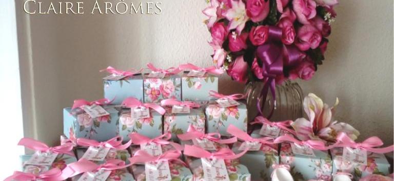 Zapatitos de bebe presentados en caja