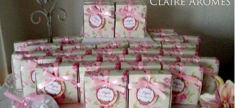 Corazón rosas relieve presentado en caja