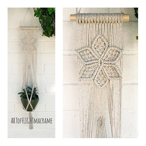 Macrame flower plant hanger