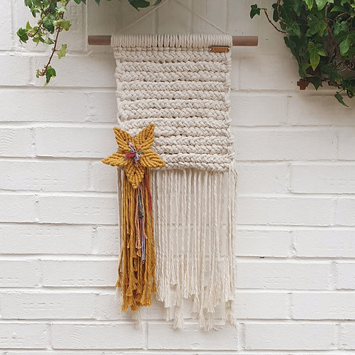 Macrame weave with flower