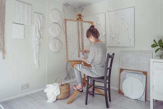 saskia saunders weaving in her studio 20